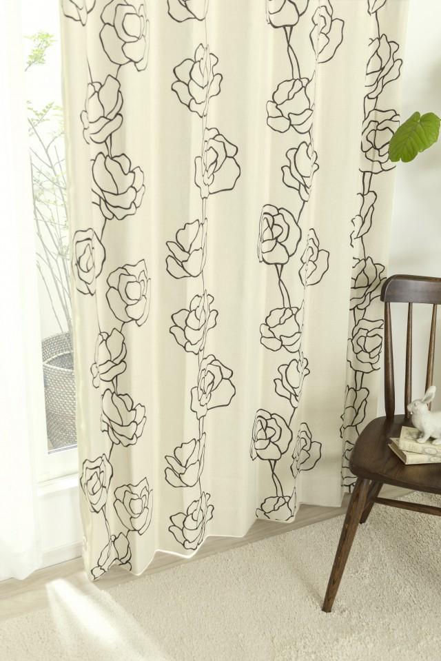アートな線描きがバラ柄が魅力の3級遮光カーテン