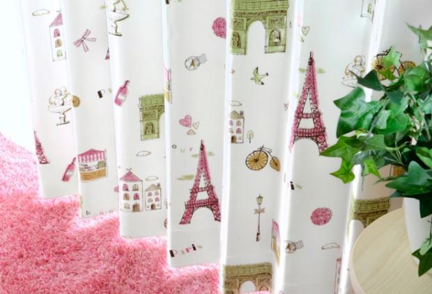 ピンクのエッフェル塔がかわいいカーテン