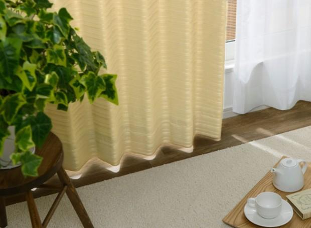 ベッドルームのドレープカーテンコーディネートサイファ