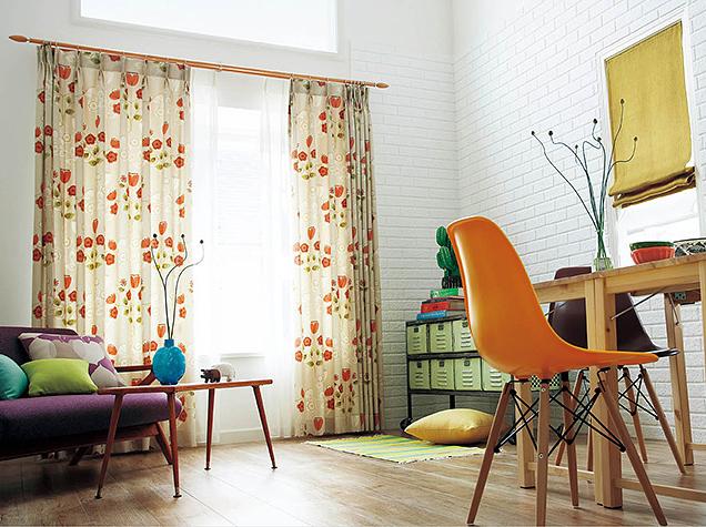 レトロな小花柄のプリントドレープカーテン
