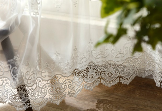 B2エレガント裾刺繍レースカーテンイメージ