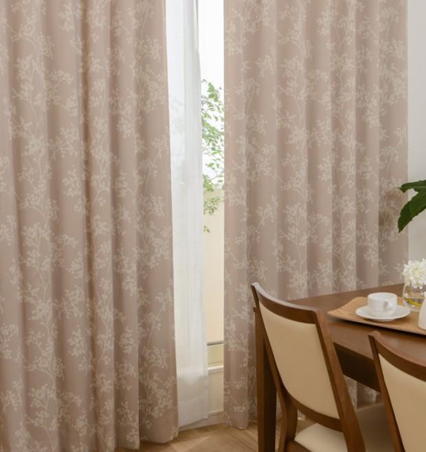 樹木柄のシルエットがモダンなデザイン2級遮光カーテン ラファイア イメージ