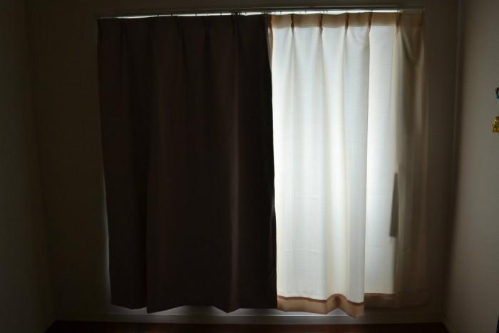 遮光カーテンあるなし比較