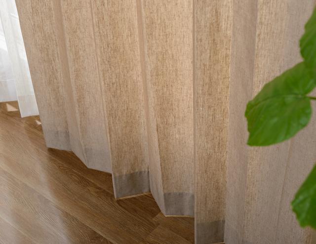 リネン混合のドレープカーテン