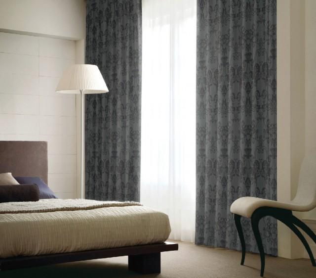 寝室に最適なエレガントな遮光カーテン