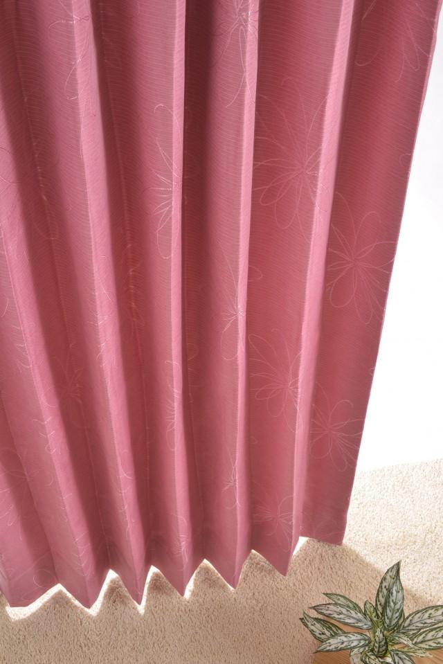 形状記憶加工付きの花柄刺繍カーテン