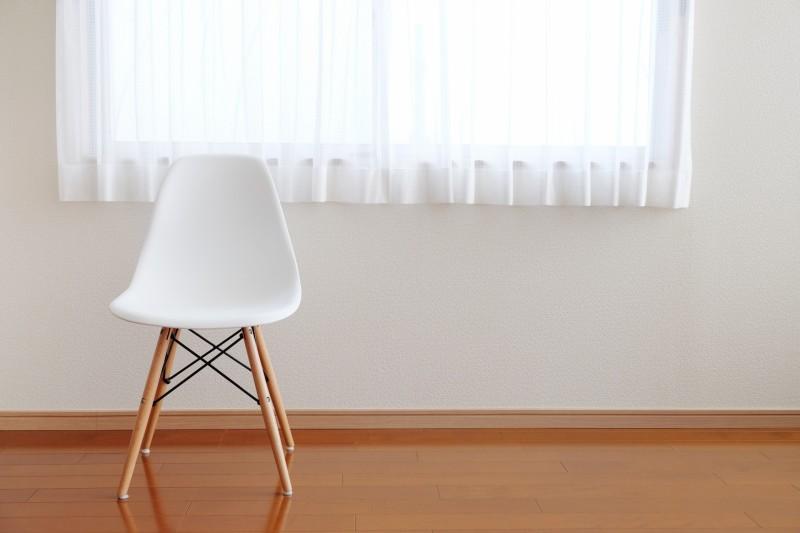椅子が置かれた部屋